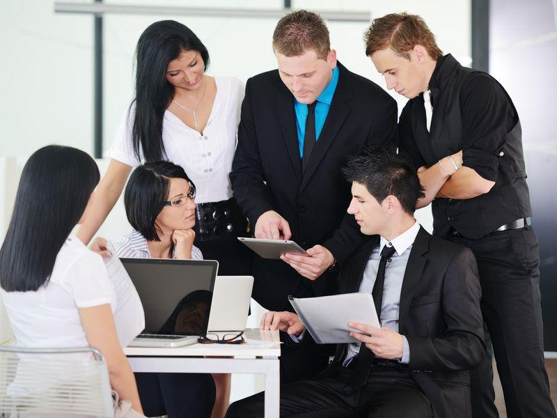 Kurzy – Tímová práca – organizovanie a vedenie ľudí v tíme